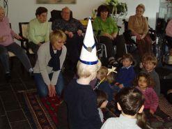 P1010018 Besuch der Kinder vom ZwergenstǬbchen