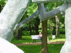 P6220083 Blickwinkel der Skulpturen