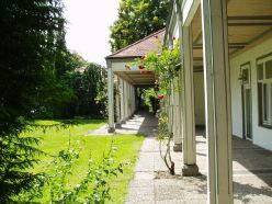 P6220029 Wandelgang am Haus des Gastes neben dem Walkenhaus